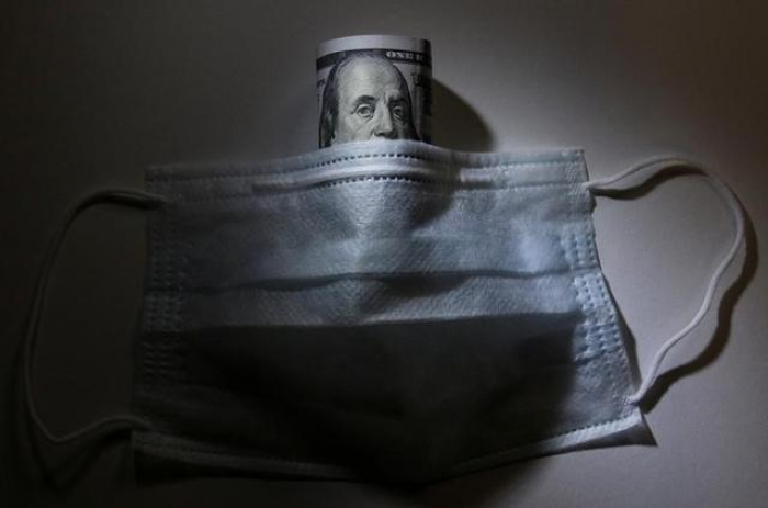 Dollar on track for biggest weekly fall in a decade