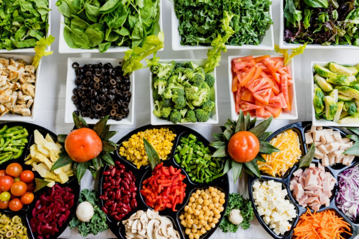 What 3 nutritionists recommend for healthy, tasty meals during a quarantine