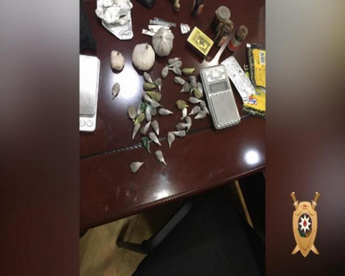 Narkotik satan Bakı sakini saxlanıldı