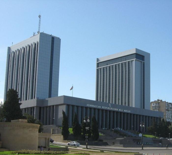 Parlamentdə informasiya mübadiləsi qrupları yaradıldı
