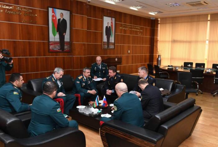 Azərbaycan və Rusiya generalları sərhəddə — FOTO