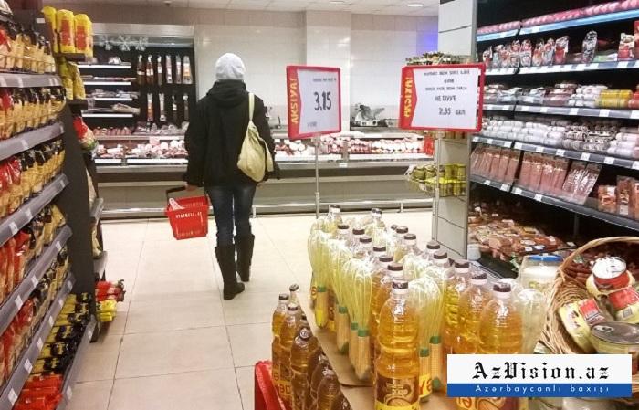 Nazirlik aptek və ərzaq mağazaları ilə bağlı məlumat yayıb