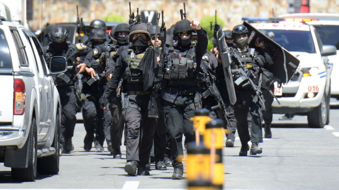 Philippines shooting:  Gunman takes 30 hostage at shopping centre