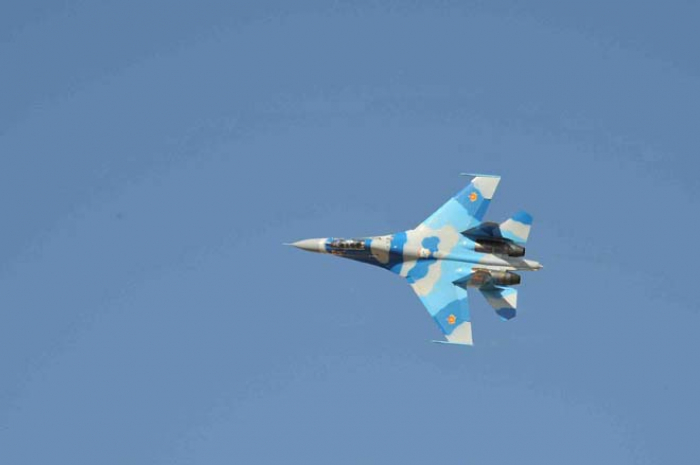 Russian Su-27 fighter jet goes off radar screens above Black Sea — defense ministry