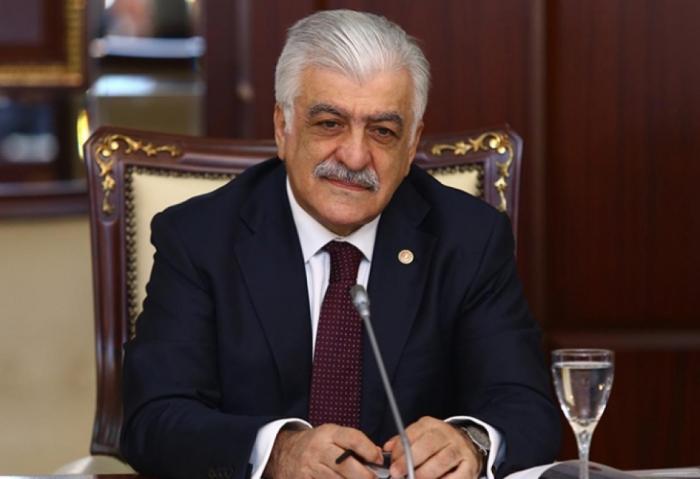 Prezident türkiyəli deputatı təltif etdi