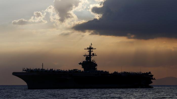 El Pentágono rechaza la petición del capitán de un portaaviones de evacuar a la tripulación tras un brote de coronavirus a bordo