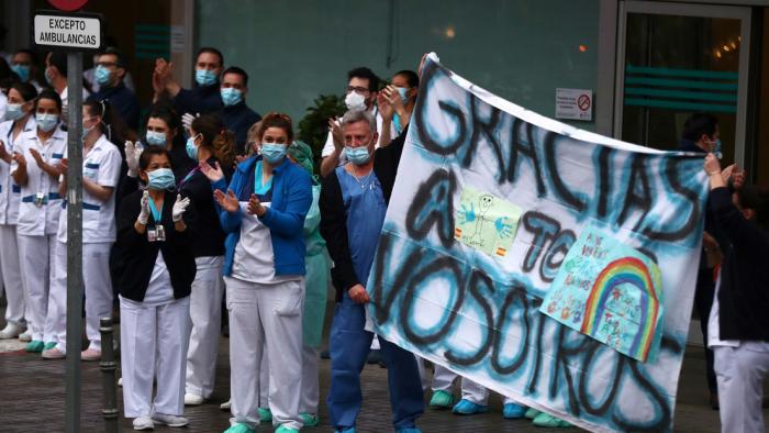 España registra más de 800 muertos en 24 horas por quinto día consecutivo y supera ya los 100.000 infectados por coronavirus