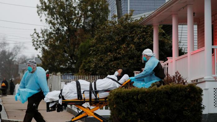 EEUUregistra un nuevo máximo de más de 1.400 muertos por coronavirus en un día