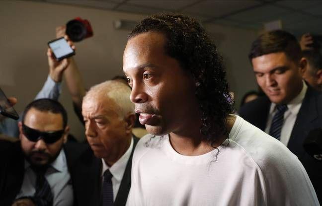 Ronaldinho emprisonné depuis un mois au Paraguay