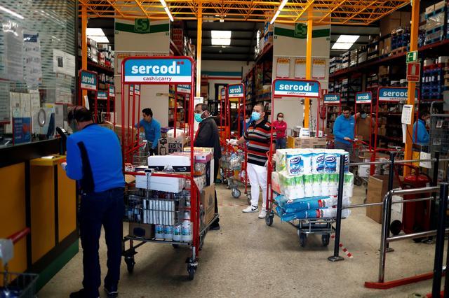 Spain loosens coronavirus lockdown, death toll passes 17,000 but paceslows
