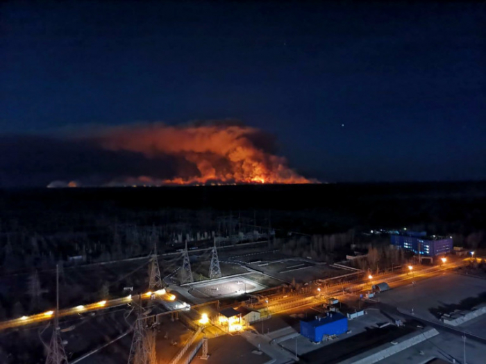 Strong winds exacerbate fire burning near Chernobyl plant