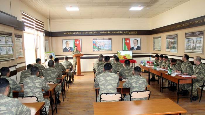 "Army holds ""Best group leader for classes on socio-political training"" contest"