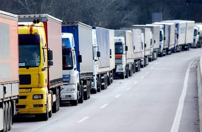 Revenues from road freight transportation up in Azerbaijan