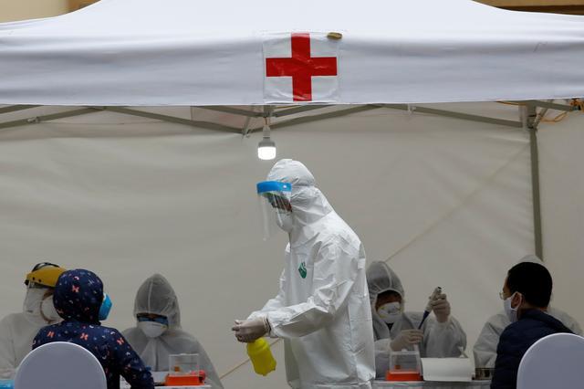 After aggressive mass testing, Vietnam says it contains coronavirusoutbreak