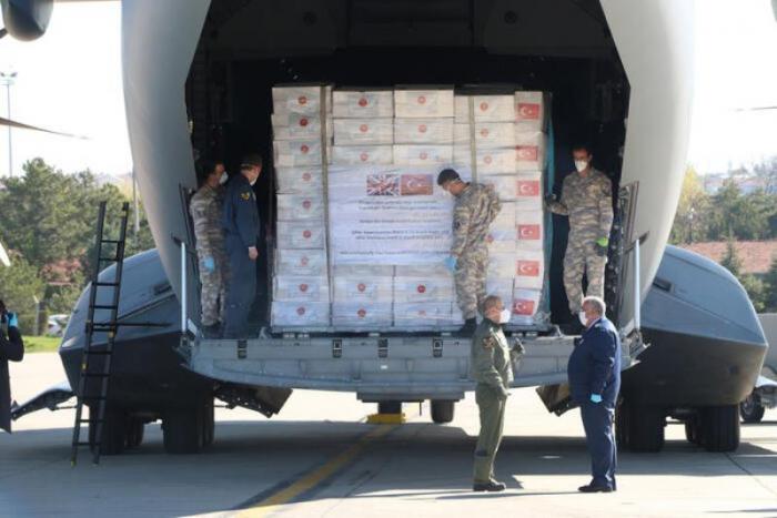 Türkiyə Britaniyaya yardım göndərdi
