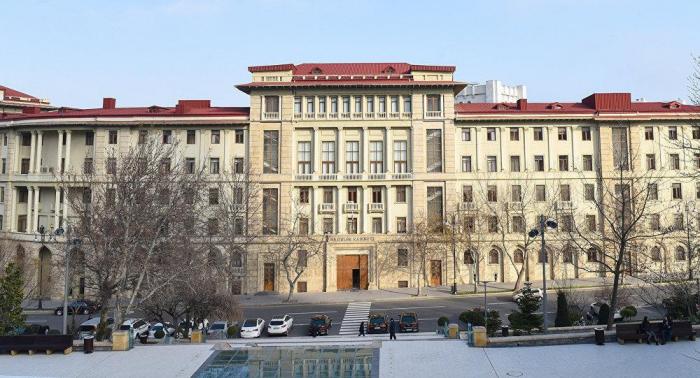 Azerbaiyán detiene completamente la entrada y salida por tierra y aire, los vuelos locales
