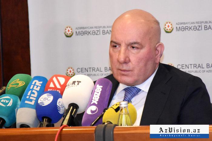 """Elman Rüstəmov: """"Hazırda kreditlərlə bağlı işlər gedir"""""""