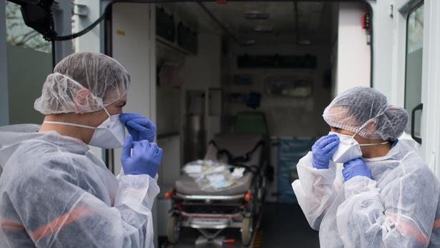 Coronavirus: 1,25 milliard de travailleurs courent un risque de licenciement ou de réduction de salaire, selon l