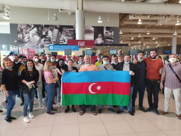 149 Azərbaycan vətəndaşı BƏƏ-dən Bakıya yola salındı -    FOTO