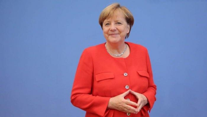 Merkelin karantin müddəti başa çatıb