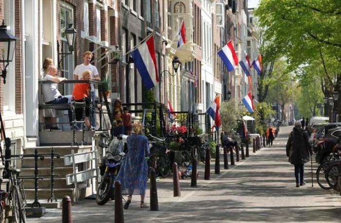 Dutch Kingsday celebrations muted by coronavirus lockdown
