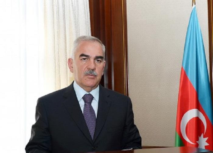 Vasif Talıbov 9 aylıq maaşını Fonda köçürdü