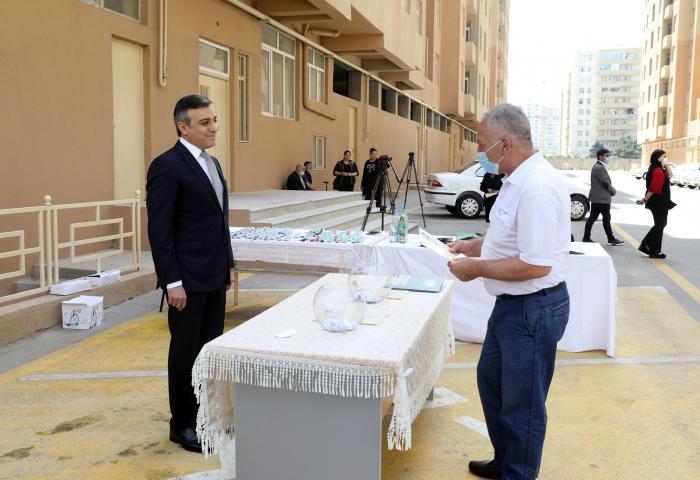 Şəhid ailələri və müharibə əlillərinə yeni mənzillər verildi -  FOTOLAR