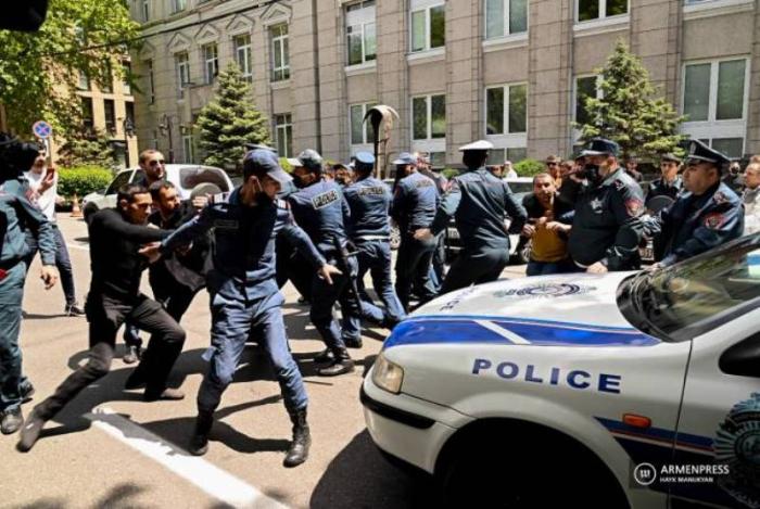 Ermənistanda etiraz aksiyası keçirildi