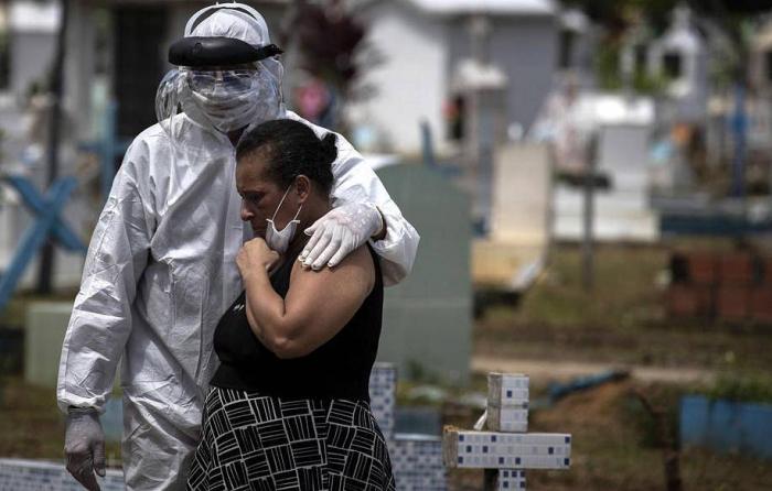 Nyu-Yorkda 20 mindən çox insan pandemiyanın qurbanı oldu