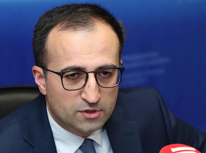 """""""Xəstələr üçün cəmi 32 boş yer qalıb"""" -  Erməni nazirdən etiraf"""