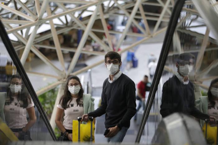 Kanadada virusa yoluxma sayı 72 mini keçdi