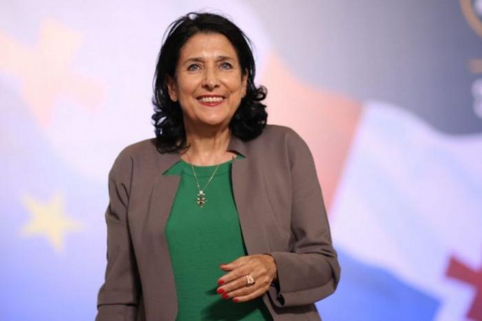 رئيسة جورجيا تهنئ أذربيجان