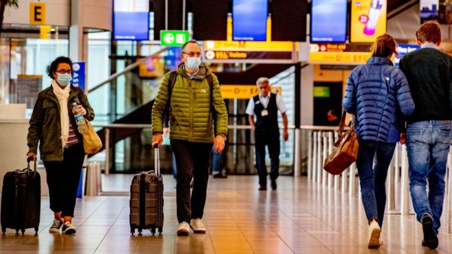 Coronavirus: Air passengers told to wear face masks