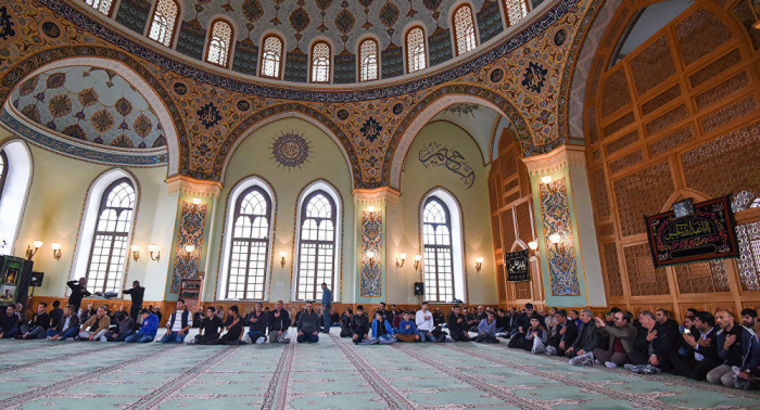 Iran to open mosques in 132 counties