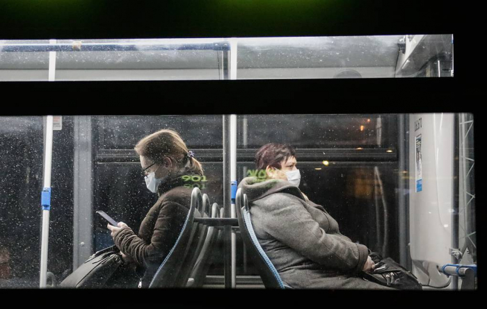 Moscow decrees masks, gloves on public transport, in shops from May 12, lockdown to May 31