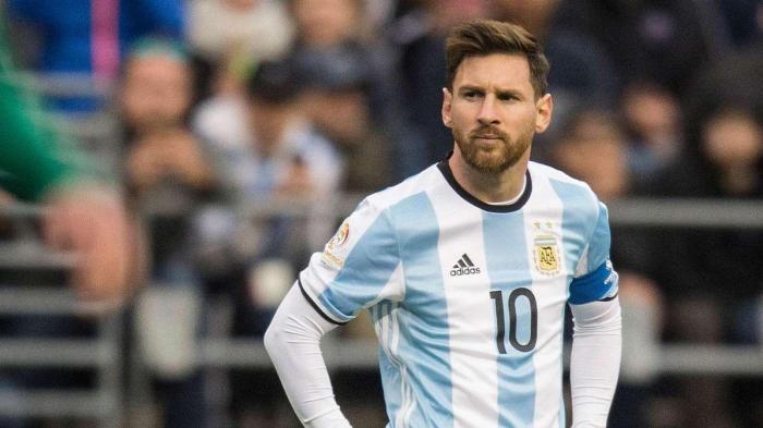 Messi donates half a million euros to hospitals in Argentina