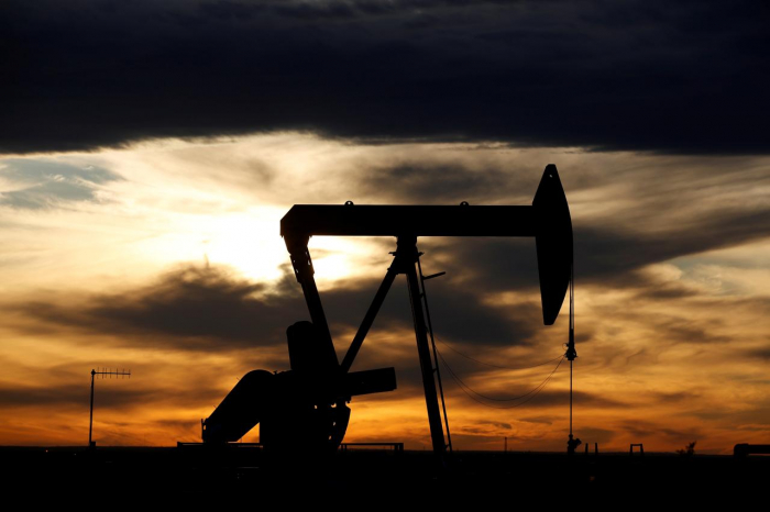 Oil extends gains amid signs of China demand pickup, global supply overhang fading