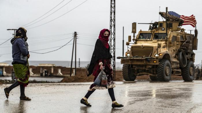 """Líder supremo de Irán: """"Los estadounidenses serán expulsados de Irak y Siria"""""""