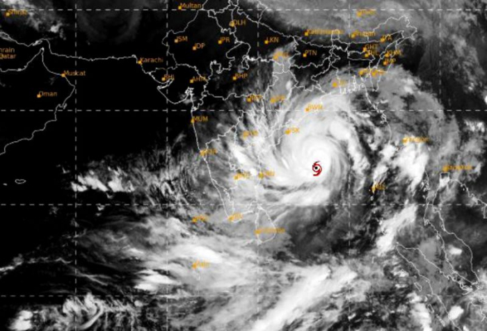 India, Bangladesh prepare to evacuate 5 million from cyclone