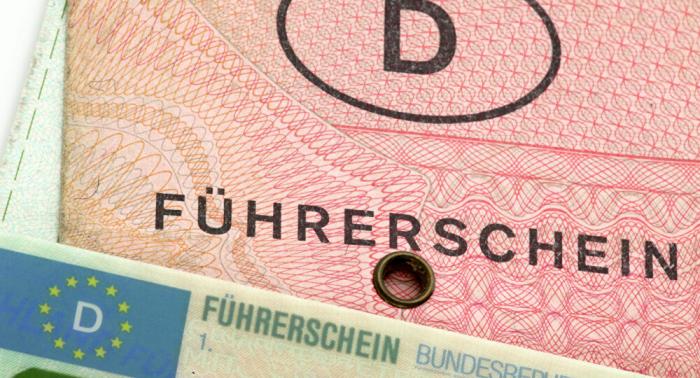 Über vier Jahre Haft wegen vielfachen Führerschein-Betrugs