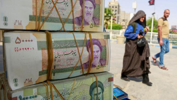 Irans Parlament will Währungsreform des Präsidenten untersuchen