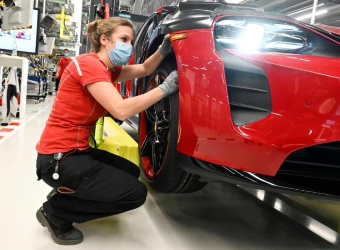 Bericht: EU-Kommission will klimafreundlichen Umbau der Autobranche vorantreiben