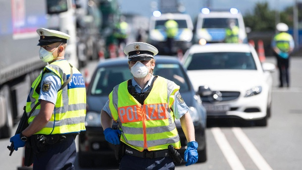 Grenzkontrollen wegen Corona: Bundespolizei vollstreckt über 500 Haftbefehle