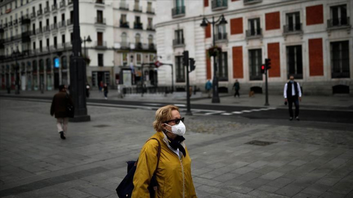 Spain gears up to ease measures amid 70 more deaths