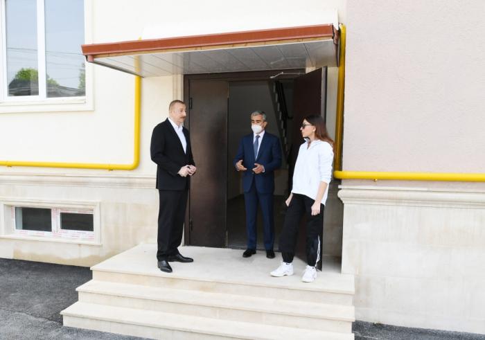 Prezident Şamaxıda tikilən binalardakı şəraitlə tanış oldu -  FOTOLAR (YENİLƏNİB)