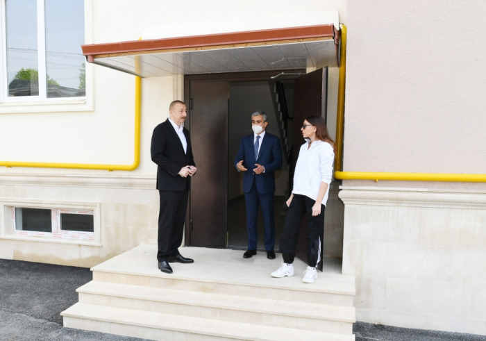 President Ilham Aliyev viewed conditions created at multi-apartment buildings constructed in Shamakhi