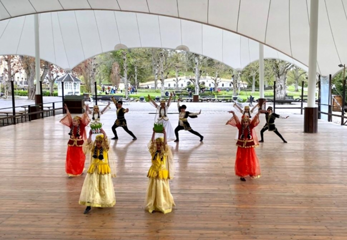 Les danses nationales azerbaïdjanaises suscitent de l