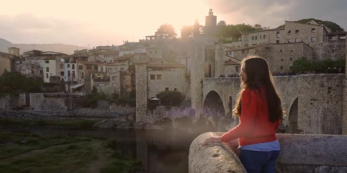 La Generalitat esconde lazos amarillos y esteladas en su campaña para atraer turismo nacional tras la pandemia