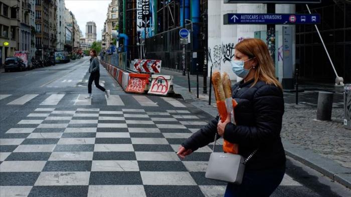 Francia reporta 92 muertes por coronavirus mientras el número de hospitalizaciones disminuye