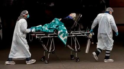 El difícil dilema que enfrentan los médicos en Chile:  ¿a quién dar la última cama?